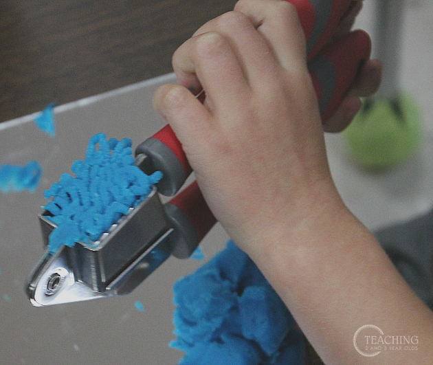 fine motor strengthening with play dough