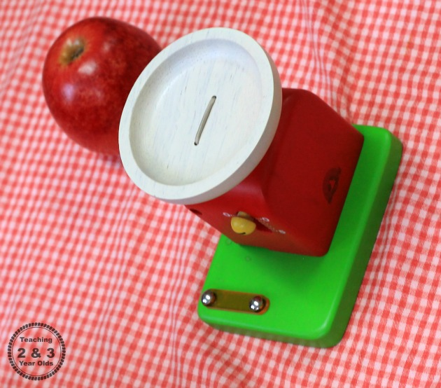 Apple Stand Fall Dramatic Play Activity for Toddlers and Preschoolers