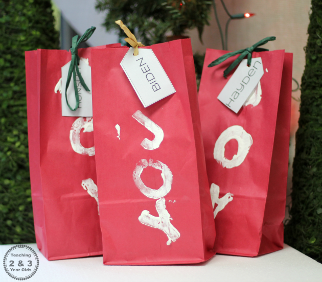 Kids Christmas Wrapping Paper - Teaching 2 and 3 Year Olds