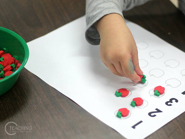 preschool counting activity with apples