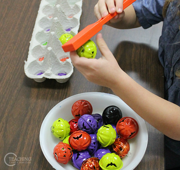 Simple Halloween Sorting Activity