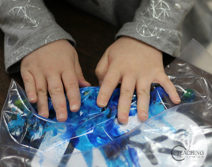 Easy Winter Art with Paper Mittens