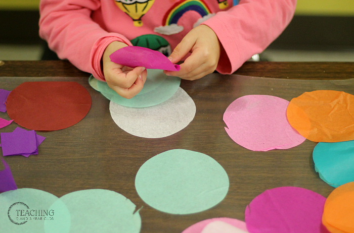 Here's a Quick Way to Strengthen Toddler Fine Motor Skills