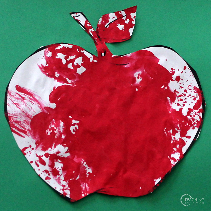 The Easiest Way for Toddlers to Make Fall Apple Art