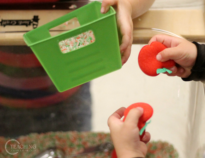 Here's a Quick Way to Put Together a Toddler Apple Sensory Bin