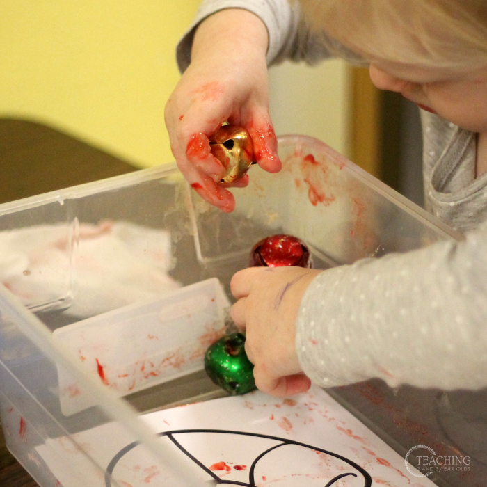 Easy Preschool Christmas Craft Using Jingle Bells - Free Printable