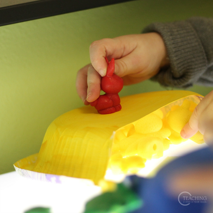 Fun Preschool Color Sorting Bear Activity for the Light Table