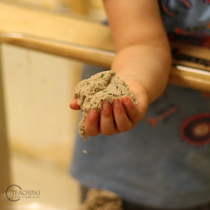 The Easiest Construction Sensory Bin Using Kinetic Sand