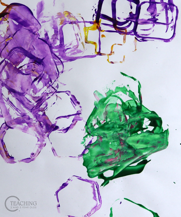 Build Fine Motor Skills with this Toddler Shapes Art Activity