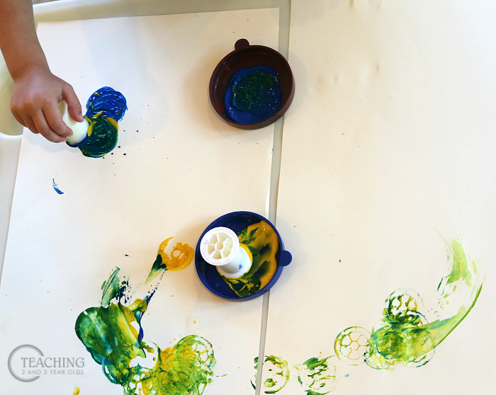 How to Put Together a Toddler Process Art Activity Using Spools