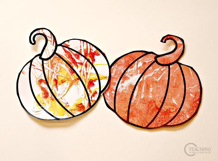 How to Make Simple Pumpkin Prints with Toddlers and Preschoolers