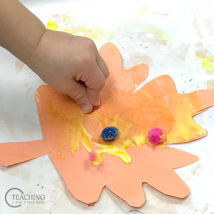 How to Make a Toddler Thankful Banner for Thanksgiving