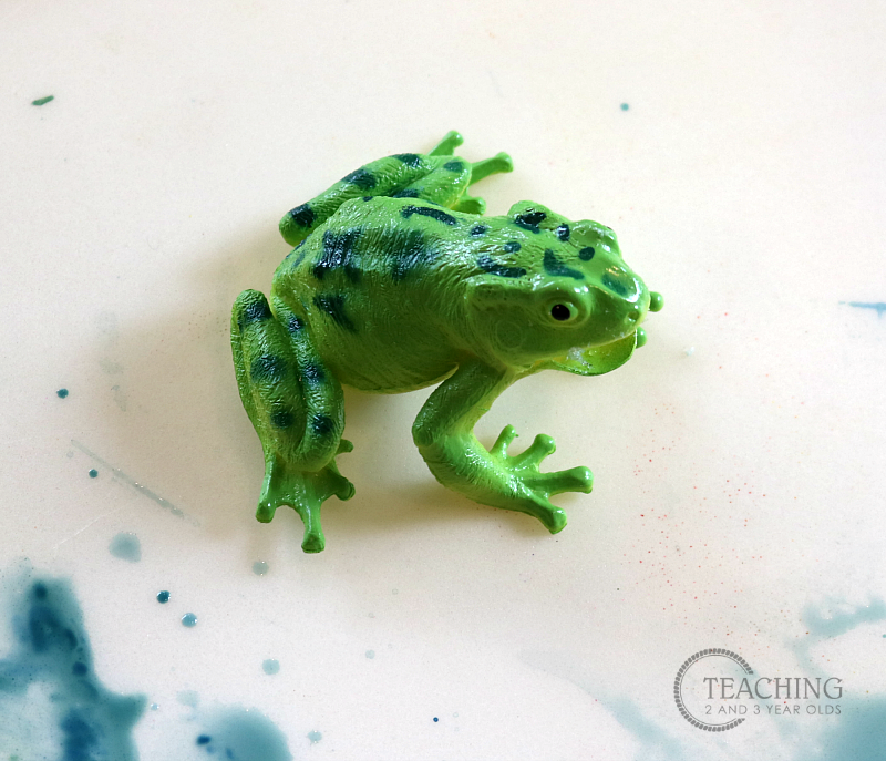 How to Turn a Toddler Frog Craft into a Puppet