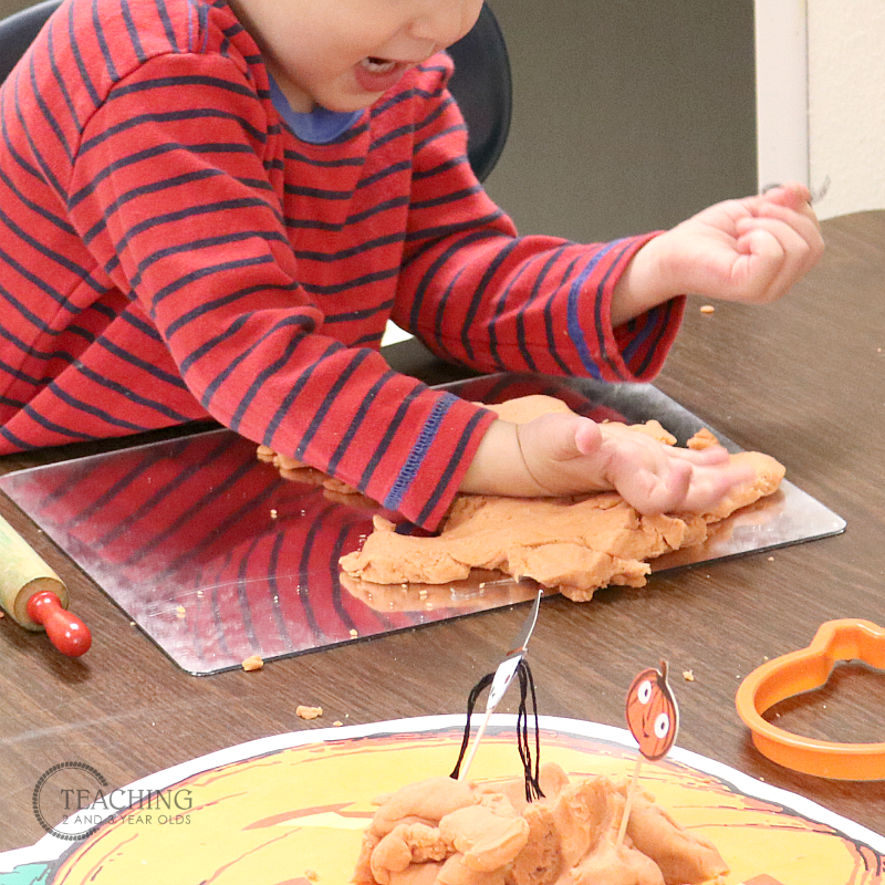 Free Play Dough Printable Mats for Toddlers and Preschoolers