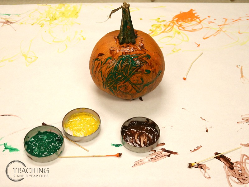 Hands-On Toddler Pumpkin Painting {Super Easy}