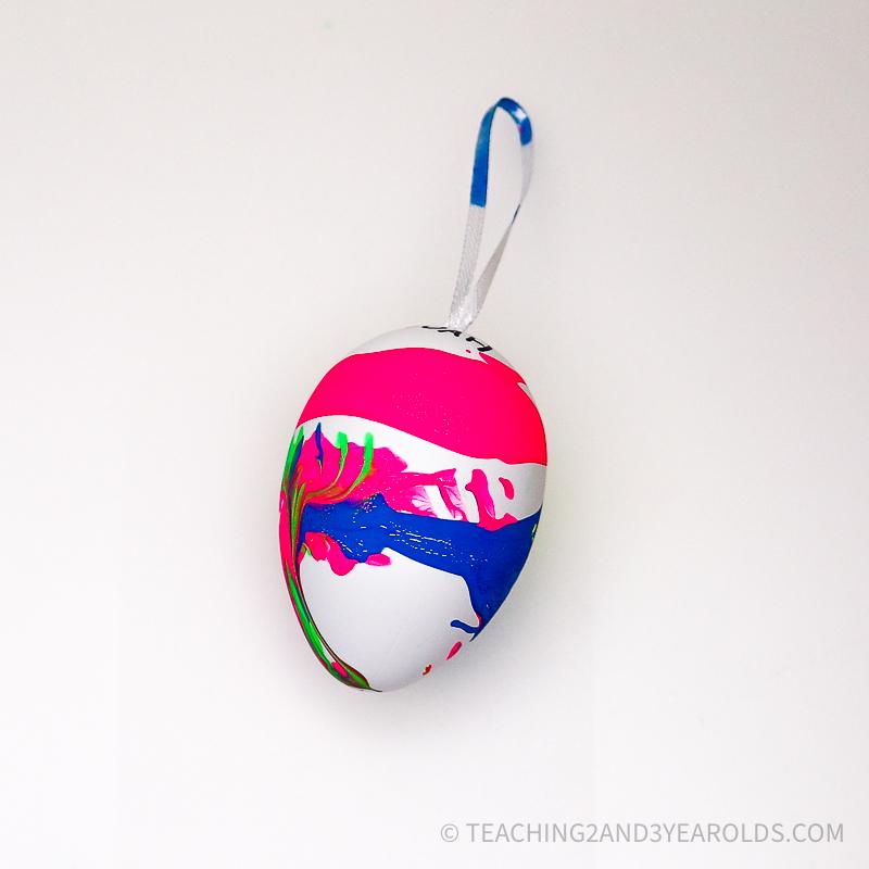 Easy Spin Art Easter Egg Activity